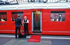 Zrich HB 28.09.2014 (The STB) Tags: train eisenbahn railway sbb hauptbahnhof zrich bahn hb ffs cff rae481021 brunchfahrt roterpfeilchurchill rotedoppelpfeile