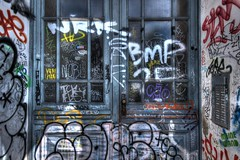 Pas de pub merci ! (urban requiem) Tags: door berlin germany deutschland graffiti gate tag graf sigma porte allemagne tr hdr immeuble 816 sonnettes 600d
