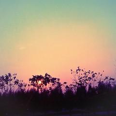 ลอง  จินตนาการ  ทำให้ฉันนั้นหายไป ไม่ได้พบเจอไม่ได้ยินเสียงกัน  แล้วเธอรู้สึกคิดถึงฉันบ้างหรือป่าว ส่วนฉันนั้นอยากให้เธอรู้ จะจินตนาการให้เธอนั้นหายไป ฉันแทบไม่อยากมีลมหายใจ  ไม่มีเธอโลกของฉันมันว่างป่าว แต่โลกที่เธอไม่มีฉันมันเป็นอย่างไร… สิ่งที่อยู่ภายใ