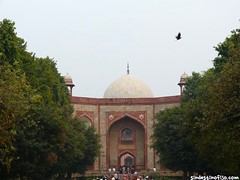 "Humayun, jardines • <a style=""font-size:0.8em;"" href=""http://www.flickr.com/photos/92957341@N07/8722112241/"" target=""_blank"">View on Flickr</a>"
