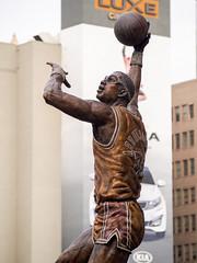 PC251593 (elT-Mak9) Tags: basketball olympus center nba lakers staples kareemabduljabbar omd em5 microfourthirds mzuikodigitaled40150mmf4056r