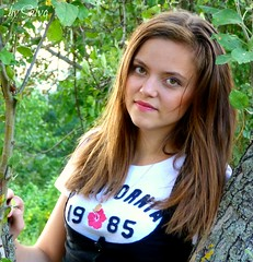 Portrait 117C (SALVO 1) Tags: girls woman white girl face garden eyes bleu occhi teen teenager bianco bocca giardino charme capelli womans faccia