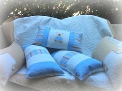 AlMoFaDaS e CoLcHa ViCeNtE (DoNa BoRbOlEtA. pAtCh) Tags: handmade application pillow patchwork almofada colcha aplicao quiltlivre donaborboletapatchwork denyfonseca