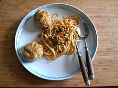 Seitan-meatballs Cajun-Art mit Spaghetti (raffizack) Tags: food diy essen pasta homemade spaghetti seitan cajun kochen nudeln seidentofu kochenohneknochen