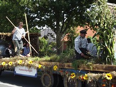 DSCF5275 (fuchs377) Tags: tractor germany deutschland europa europe traktor bulldog ostfriesland oldtimer allemagne duitsland trecker schlepper niedersachsen oldtimertreffen treckertreffen münkeboe