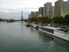 (KaRiNe_Fr) Tags: paris france statue seine buildings tour phone eiffel bateaux libert reflets mirabeau posie apollinaire alcools vieilledame flickrandroidapp:filter=none