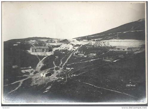 Влёра Αυλώνας Vlora Vlorë Vlona Vlonë Valona. Ishulli i Sazanit, gjiri i shën Nikollit, 1939-1943? Marine base of Sazan. Base marine de l