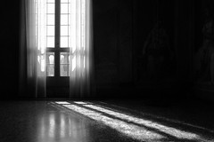 la tua presenza (francesco melchionda) Tags: light reflection blackwhite shadows opposite silohuette obscurity luvigliano