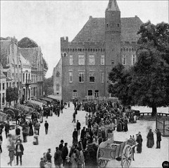 Stadt Kalkar - Wochenmarkt vorm Rathaus, um 1910 (Ireck Litzbarski Collection) Tags: germany deutschland north german stadt rathaus zentrum