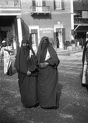 02_Cairo - Egyptian Women Wearing a Melaya, Boroo, arroussa, and a Mandil (usbpanasonic) Tags: women veil northafrica muslim islam egypt culture nile cairo nil egypte islamic مصر caire moslem egyptians egyptiens