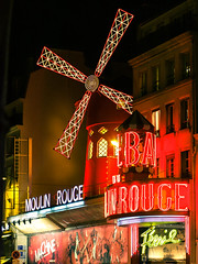moulin rouge place blanche paris france (chrisrocknroll) Tags: red paris france night zeiss moulin rouge lumix 50mm moulinrouge blanche nuit pigalle carlzeiss tessar gm1 micro43