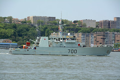 The HMCS Kingston (MM700) Is A Kingston Class Defense Vessel That Has Served In The Canadian Forces Since 1996. It Is Participating In The 2016 New York City Parade Of Ships To Mark The Start Of 2016 Fleet Week In New York City. Photo Taken May 25, 2016 (ses7) Tags: nyc navy royal canadian kingston week fleet hmcs 2016