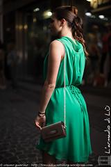 IMG_4697 (traccediscatti) Tags: verde donna moda borsa abito sera ragazza fiocco pubblicit dietro modella abbigliamento accessori vestito eleganza