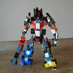 DSCN6416 (alfa145q_lego) Tags: robot lego mecha rebuild alternate 31034 31033 31032 legocreator vehicletransporter redcreatures futureflyers