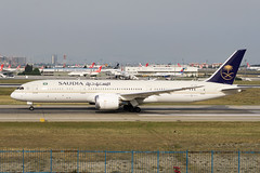 Saudi 787 (southpaw captures) Tags: plane east saudi boeing middle ist 787