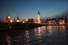 London at night (Matthias De.) Tags: bridge england house reflection london water westminster night river lights evening big ben parliament commons palace themse