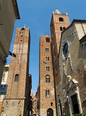 Albenga - 6 (anto_gal) Tags: liguria imperia torri citt cattedrale 2016 facciata albenga sanmichelearcangelo