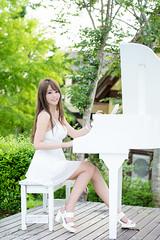 DSC_6561 (Robin Huang 35) Tags: girl nikon candy  d810