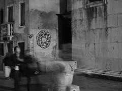 Venezia_176_1240 (Dubliner_900) Tags: venice bw streetart monochrome graffiti nightshot streetphotography olympus venezia biancoenero notturno veneto micro43 handshold omdem5markii mzuikodigitaled1240mm128pro