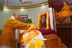 Bodhgaya: Buddhist monk offering prayer on the occasion of 81st birthday of Dalai Lama. (legend_news) Tags: bodhgaya buddhist monk offering prayer occasion 81st birthday dalai lama