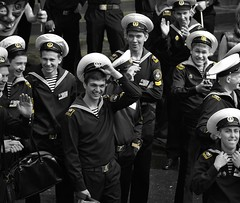 Jolly Sailors (chrigischuler) Tags: boys students port training germany stpetersburg deutschland harbor lads state russia harbour hamburg sailors crew maritime captain sailor saintpetersburg jolly admiral russian academy bluejackets mir hafengeburtstag cadets trainees hafenfest russland bluejacket russisch  matrosen makarov matrose besatzung amsma hamburgerhafenfest stsmir