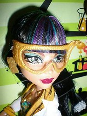 OMG! CLEO AND GHOULIA LAB PARTNER SET! (RochelleGoyle) Tags: new monster set de high lab doll dolls labor nile cleo brand partner 2013 yelps ghoulia