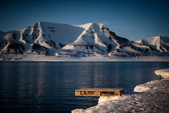 Beach Party-7 (Stephan Vogel) Tags: sunset beach night fire calm longyearbyen svalbar mighnightsun