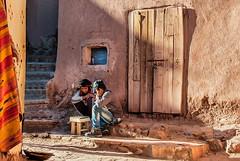 I giocatori di dama (Tati@) Tags: street travel light people morocco mygearandme mygearandmepremium mygearandmebronze mygearandmesilver mygearandmegold draughtplayers