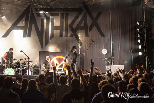 "Anthrax_foule • <a style=""font-size:0.8em;"" href=""http://www.flickr.com/photos/42154737@N07/9589982566/"" target=""_blank"">View on Flickr</a>"