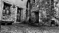 Vecchie abitazioni - centro storico Sorgono (NU) (Giovanni Aledda [octavariumetallus]) Tags: sardegna old abandoned home case biancoenero centrostorico vecchie abitazioni sorgono octavariumetallus giovannialedda