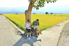 Drawing love (Singer ) Tags: road morning light shadow sky mountain tree green love clouds composition canon painting iso100 drawing hill taiwan tourist singer romantic lover  ricefield  f5  passerby   taitung    oneshot   exten