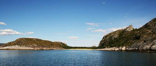 """Hjartet, ved øyas sør-vestlige kant <a style=""""margin-left:10px; font-size:0.8em;"""" href=""""http://www.flickr.com/photos/110173116@N08/11118025095/"""" target=""""_blank"""">@flickr</a>"""