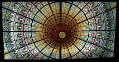 Art Nouveau glass ceiling of the Palau de la Musica Catalana [Explore 22/01/2014] (Sokleine) Tags: barcelona glass spain modernism stainedglass catalonia ceiling espana artnouveau musichall espagne unescoworldheritage barcelone concerthall vitraux catalogne verrière belleépoque musicacatalana