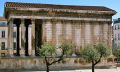 Nmes France - La Maison Carre - Augustan Roman temple 16BC to 5AD (edk7) Tags: france 2004 temple roman ruin nimes gard nmes nikoncoolpix4500 hexastyle augustan lamaisoncarre languedocroussilon edk7 16bcto5ad