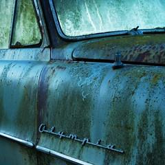 Caravan2 (filzofi) Tags: auto blue window car drive paint close rusty peinture bleu dust affiche rouille aile rosee cle fenetre