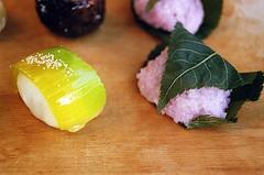 01750011-84 (jjldickinson) Tags: wood food dessert japanese longbeach mochi wrigley olympusom1 confectionery manju cuttingboard fujicolorsuperiaxtra400 fugetsudo promastermcautozoommacro2870mmf2842 promasterspectrum772mmuv roll495o2