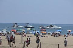 Algunas embarcaciones fondeadas en Playa de Maspalomas