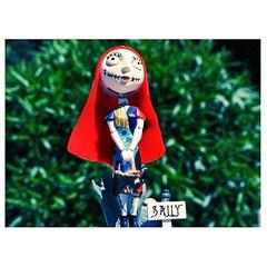 Sally (Vallelitoral) Tags: old sun cute sol beautiful beauty cemetery canon vintage toy nice doll cementerio retro sally andalusia pesadillaantesdenavidad utrera rflex flickraward vsco vscofilm vscocam