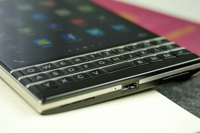 camera keyboard phone blackberry steel board touch business smartphone type passport sim keypad qwerty qwertz blackberryos bestboyz techstage reiseausweis blackberrypassport