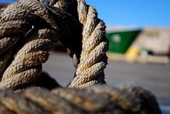 Amarra - Moorings (i.puebla) Tags: espaa port puerto harbor spain nikon barco ship bokeh catalonia girona catalua moorings d60 amarra llan portdellan puertodellan