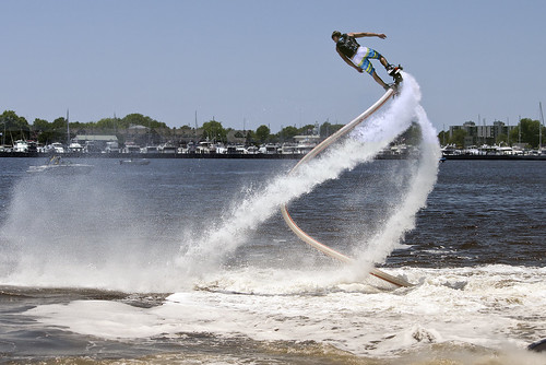 ski water virginia fly flying power personal board norfolk flight jet demonstration pack hydro watercraft jetpack riders propelled powered 2016 waterjet harborfest waterpowered jetlev waterpropelled jetovator