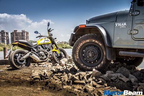 Ducati-Scrambler-vs-Mahindra-Thar-09