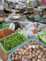 Warorot Market (22 of 71) (John Shedrick) Tags: food vegetables thailand asia chinatown farmers market unique traditional indoor meat smartphone chiangmai local nontourist samsunggalaxys7edge