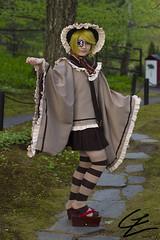 Vocaloid: Kagamine Rin -Senbonzakura- (gxle) Tags: trees portrait tree green cherry one helsinki outdoor sakura diva len thousand hanami rin puisto hatsune miku puutarha 2016 roihuvuori kirsikka senbonzakura japanilainen vocaloid kagamine kirsikkapuisto 2k16