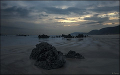 Marea baja (antoniocamero21) Tags: color marina gris foto sony playa arena amanecer cielo nubes cantabria noja
