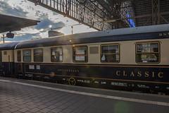 Sonderzug in der Abendsonne (hbecker1411) Tags: sonderzug frankfurtmain hauptbahnhof sonnenuntergang
