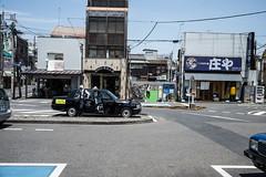taxi (Quince_tan) Tags: people car taxi snapshot saitama      leitzsummilux114352nd leicamtyp262 20160618