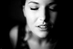 Augen zu... (lichtflow.de) Tags: portrait bw woman girl face canon wow mono gesicht portrt ef50mmf14 silence sw frau mdchen festbrennweite eos5dmarkiii
