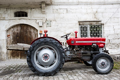 tractor (eb78) Tags: tractor turkey middleeast cappadocia anatolia goreme