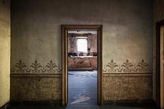 #704 (Vincent Ferron xplo) Tags: door abandoned colors decay d3